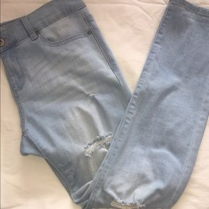 Fashionnova light blue wash boyfriend jeans